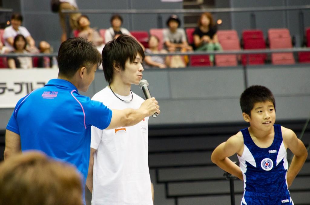 内村とジュニア選手