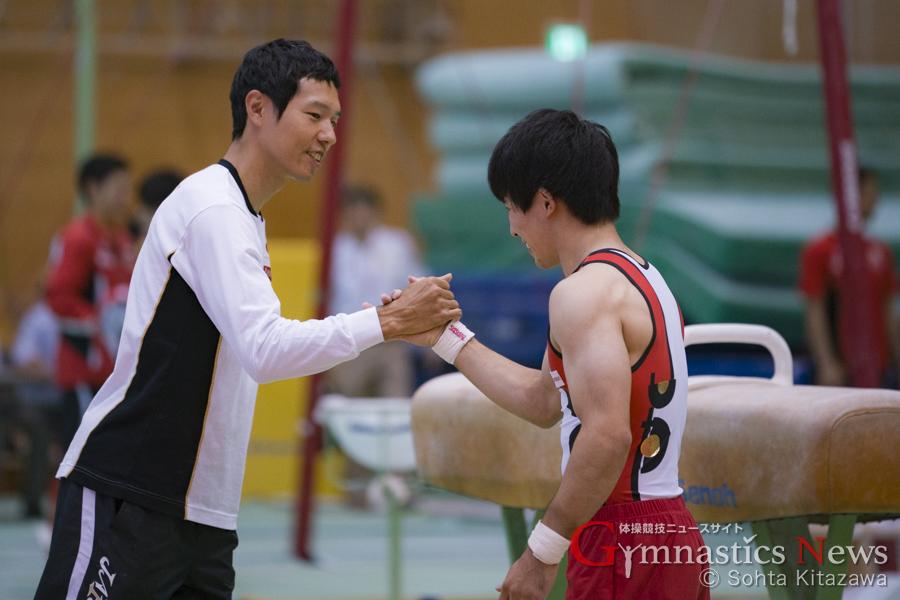 水鳥寿思監督 安里圭亮選手
