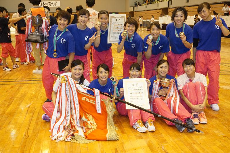連覇を果たした日本体育大学女子メンバー。個々の能力の高さとチーム力の高さが際立っていた